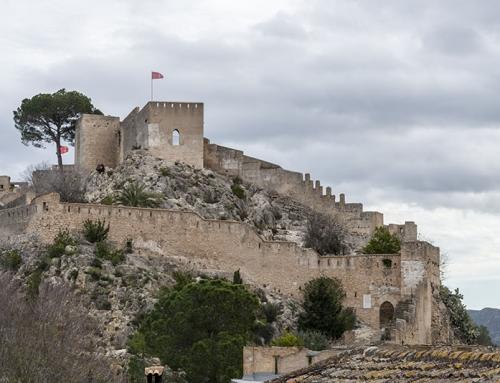 Xativa un castello tra le montagne